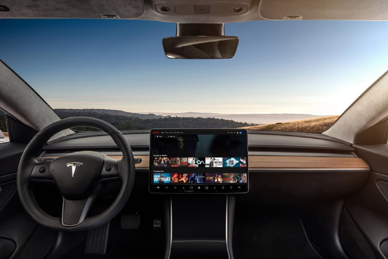 Photo of Youtube and Netflix Comes to Automobiles!