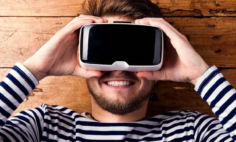 how virtual reality glasses deceive the brain