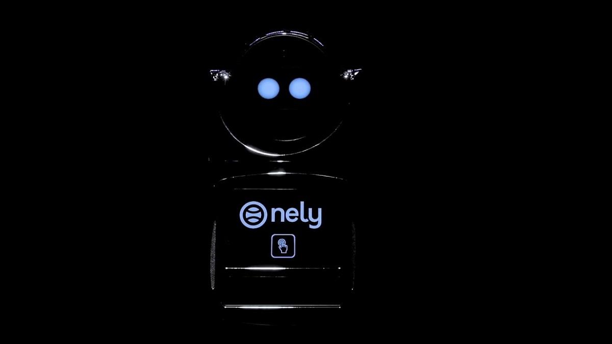 social robots nely moblobi