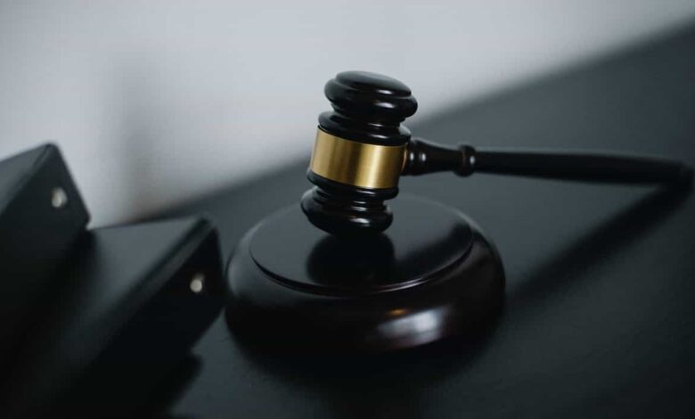 Photo of Attorney vs Lawyer: What is The Difference?