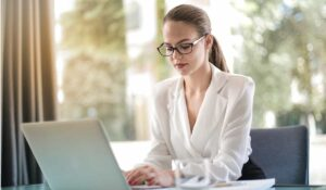 how to find a job on linkedin moblobi