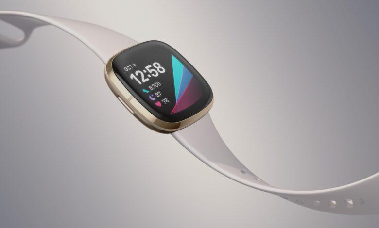 Photo of Fitbit Sense vs Versa 3
